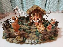 Fontanini CORRAL 50244 5 Nativity Set Lighted with Holy Family Angel Heirloom