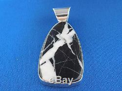 Native American Navajo Black And White Pendant Set In Sterling Silver With Chain